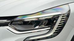 Renault Captur 2019 bianca vista luci a LED anteriore