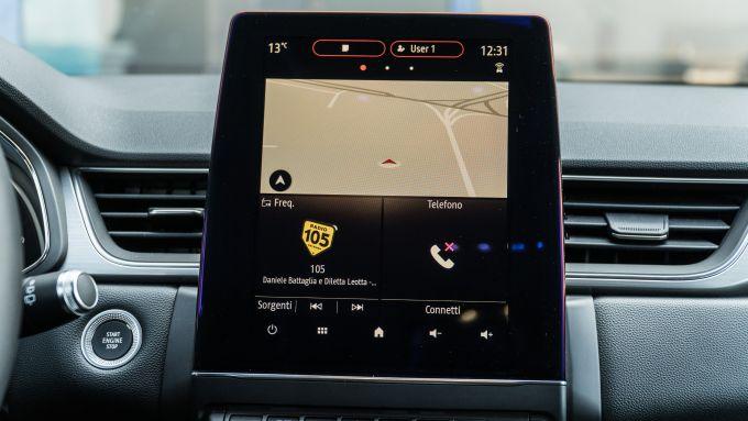 Renault Captur 2019, il display verticale dell'infotainment
