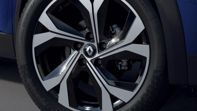 Renault Captur, arriva ibrido e R.S. Line: i cerchi in lega da 18