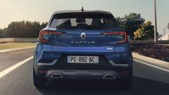 Renault Captur, arriva ibrido e R.S. Line: visuale posteriore