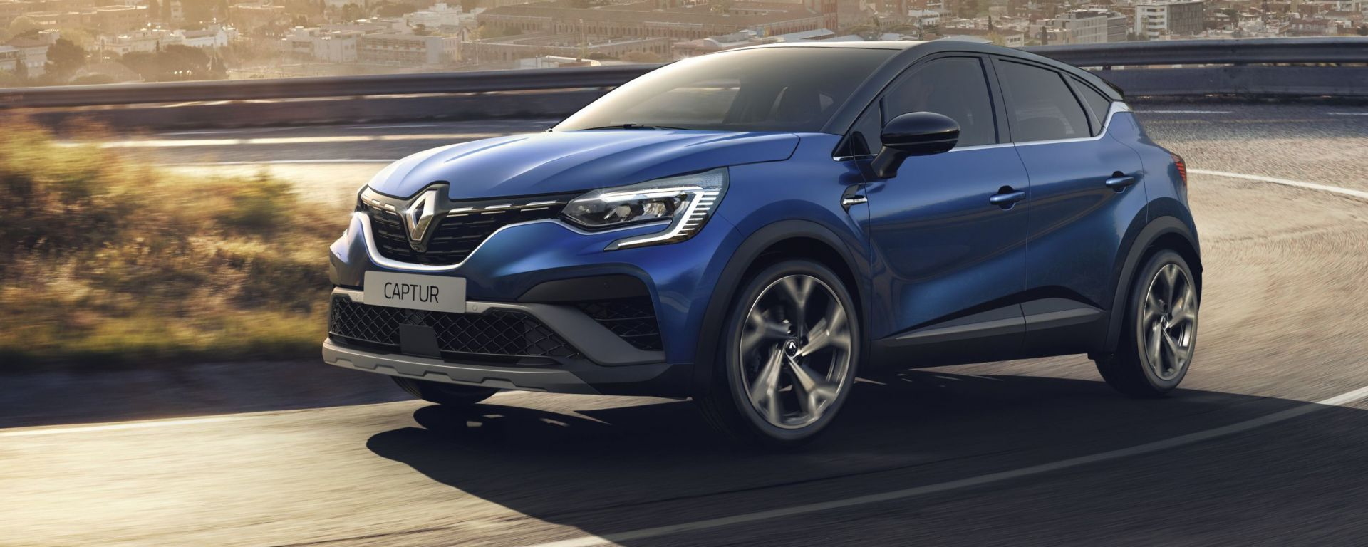 Renault Captur, arriva ibrido e R.S. Line