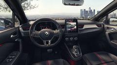 Renault Captur E-Tech hybrid: gli interni della R.S. Line