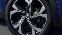 """Renault Captur E-Tech Hybrid: i cerchi in lega da 18"""" della R.S. Line"""