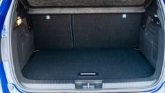 Renault Captur E-Tech Hybrid: il vano bagagli ha una capacità minima di 440 litri
