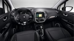 Renault Captur TCe 120 cv EDC - Immagine: 2