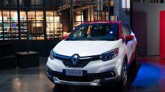 Renault Captur Tokyo Edition: ora l'auto si compra dai social - Immagine: 9