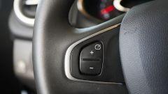 Renault Clio 0.9 TCe GPL - comandi al volante