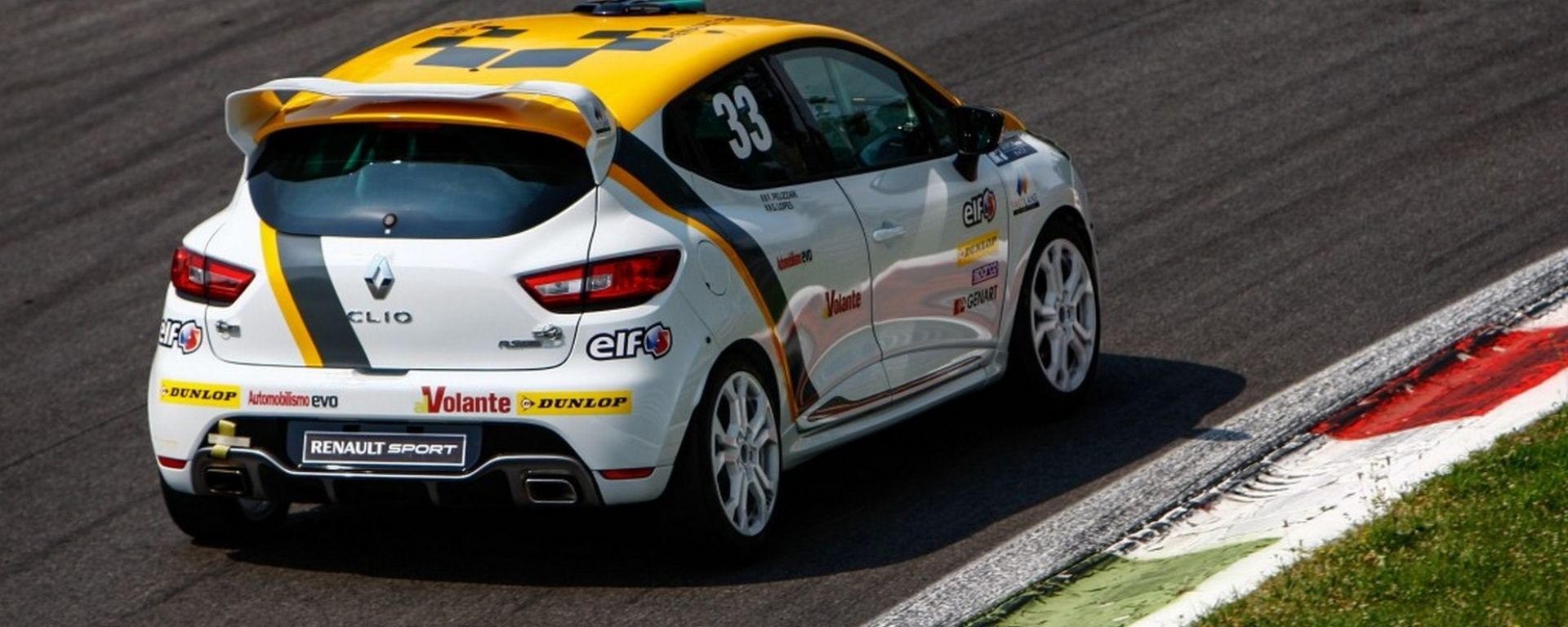Renault Clio Cup 2018: il test in pista a Misano