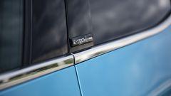 Renault Clio E-Tech, badge anche sul montante