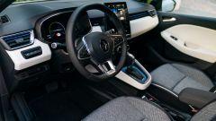 Renault Clio E-Tech ibrida, gli interni