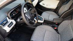 Renault Clio E-Tech ibrida, i sedili anteriori