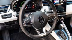 Renault Clio E-Tech ibrida, il volante