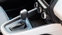 Renault Clio E-Tech ibrida, la leva del cambio automatico