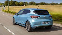 Renault Clio E-Tech: marcia in elettrico fino a 75 km/h
