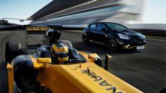 Renault Clio R.S. 18, lo stesso abito della Renault F1 - Immagine: 4