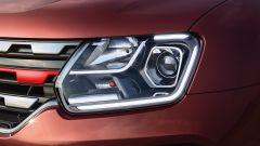 Renault Duster 1.3 turbo benzina, il gruppo ottico anteriore