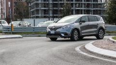 Renault Espace Blue dCI 200 EDC Initiale Paris: bene le 4 ruote sterzanti in città