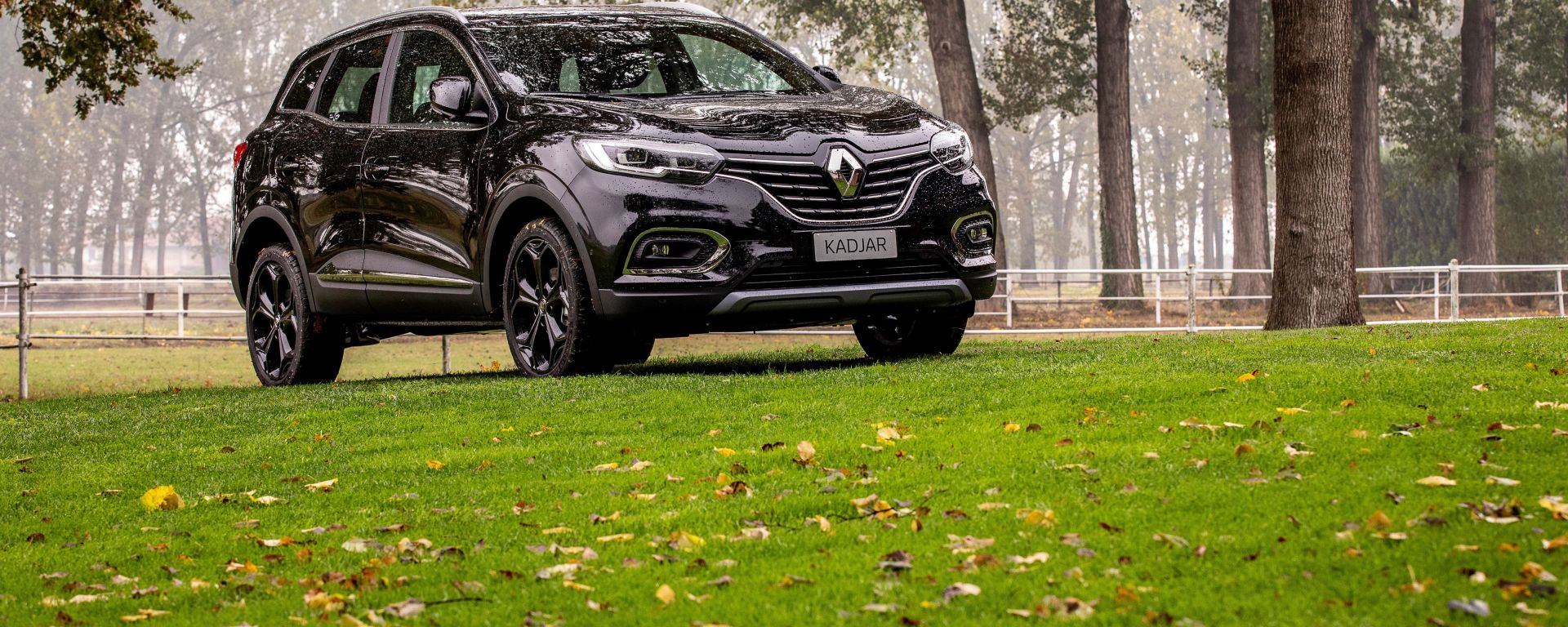 Renault Kadjar Black Edition 4X4: vista 3/4 anteriore