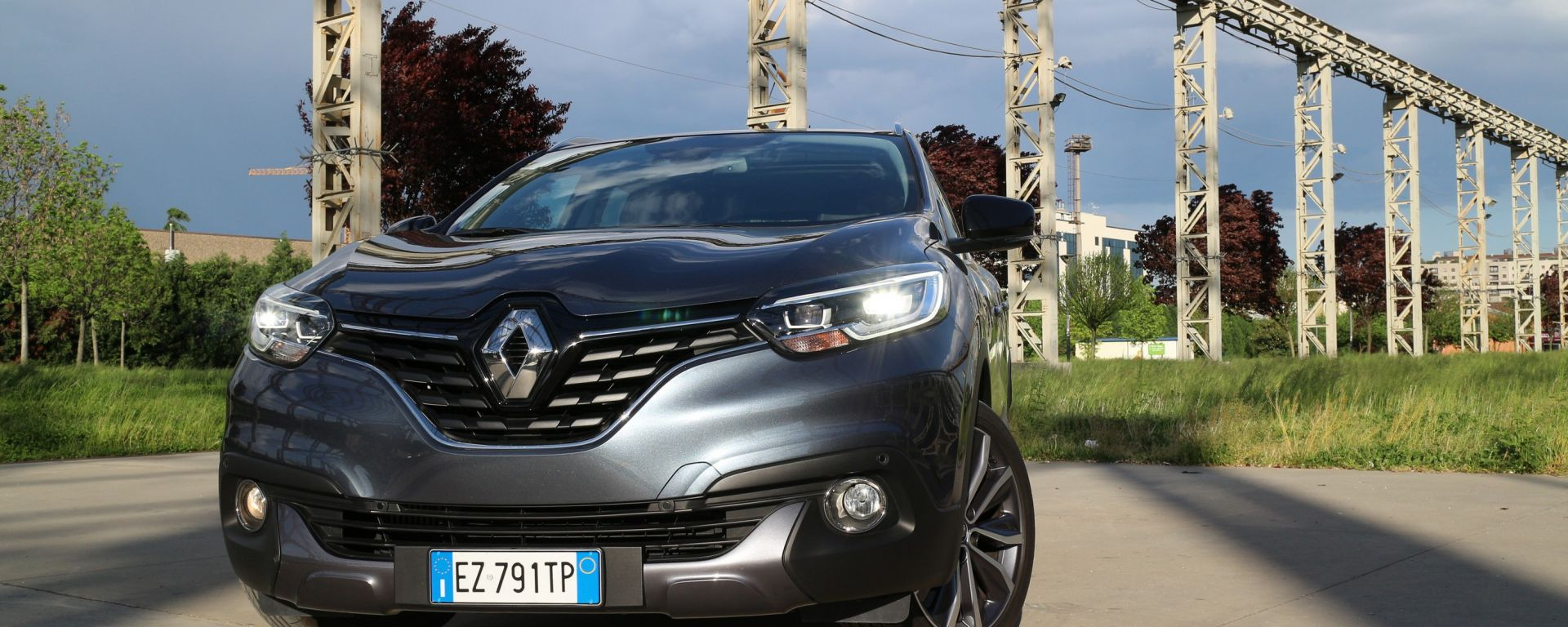 test drive renault kadjar dci 110 cv energy bose la prova su strada motorbox. Black Bedroom Furniture Sets. Home Design Ideas