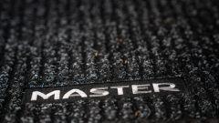 Renault Master 2019, logo sui tappetini