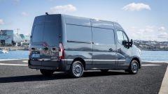 Renault Master 2019: vista 3/4 posteriore
