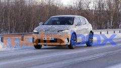 Renault Megan-E: foto spia della nuova compatta elettrica