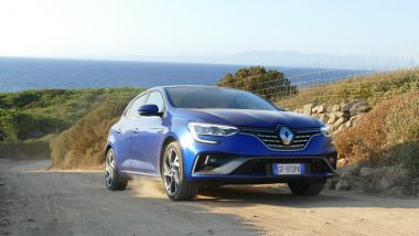 Renault Mégane E-Tech PHEV R.S. Line: le sterrate non fanno paura, ma senza esagerare
