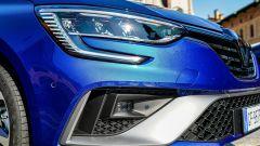 Renault Mégane E-Tech plug-in hybrid, dettaglio dei fari anteriori