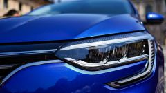 Renault Mégane E-Tech plug-in hybrid, la firma luminosa
