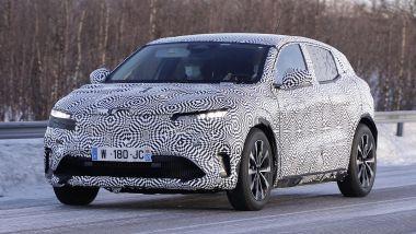 Renault Mégane E-Tech SUV: i muletti durante le prove su strada lo scorso inverno