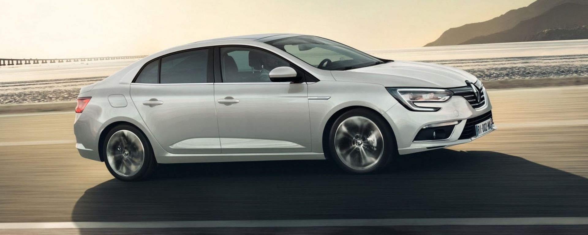 Renault Megane Grand Coupé: due allestimenti, Zen e Intens