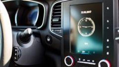 Renault Megane Grand Coupé: lo schermo del sistema R-Link 2 da 8,7 pollici