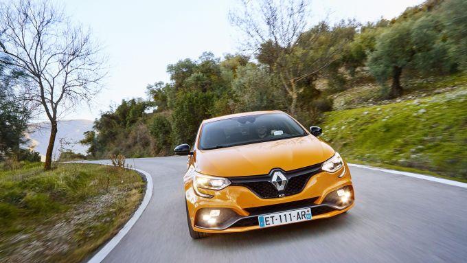 Il frontale della Renault Méegane R.S. 2018