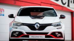 Renault Mégane RS Trophy-R: i fendinebbia a forma di bandiera a scacchi