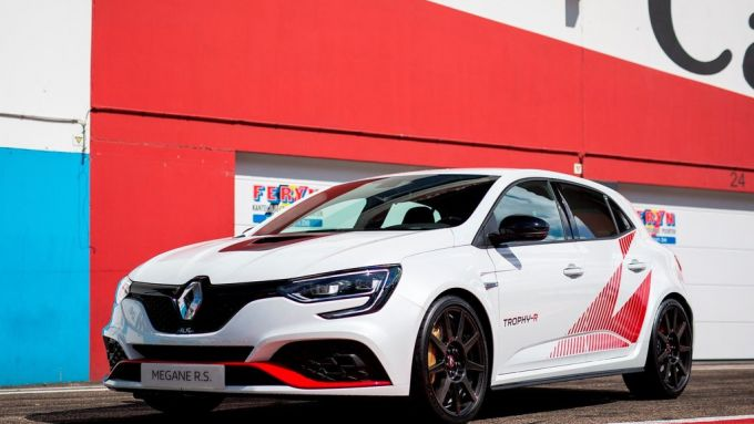 Renault Mégane RS Trophy-R: perfetta hot-hatch