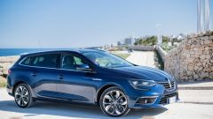 Renault Megane Sporter: linea muscolosa e fianchi larghi