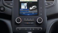 Renault Megane Sporter: lo schermo da 8,7 pollici del sistema R-Link2