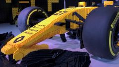Renault RS17 fatta di Lego, il muso