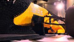 Renault RS17 fatta di Lego, sospensione anteriore