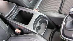 Renault Scenic 1.6 dCi Bose: Il mobiletto scorrevole tra i sedili