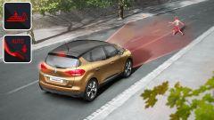 Renault Scenic 2016: la frenata automatica di emergenza