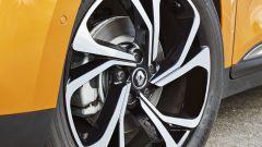 Renault Scenic 2016: le ruote da 20 pollici di serie