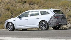 Renault Talisman facelift: vista di 3/4 posteriore