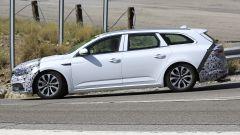 Renault Talisman facelift: vista laterale