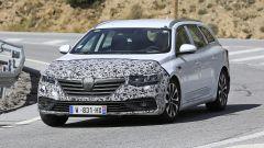 Renault Talisman: il facelift, visuale di 3/4 anteriore