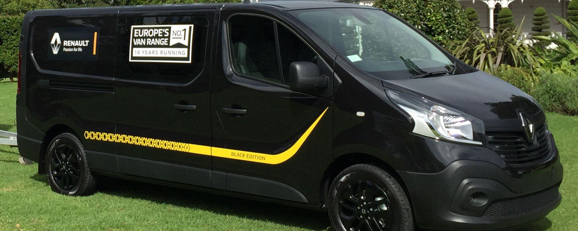 Renault Trafic Black Edition: il 3/4 anteriore