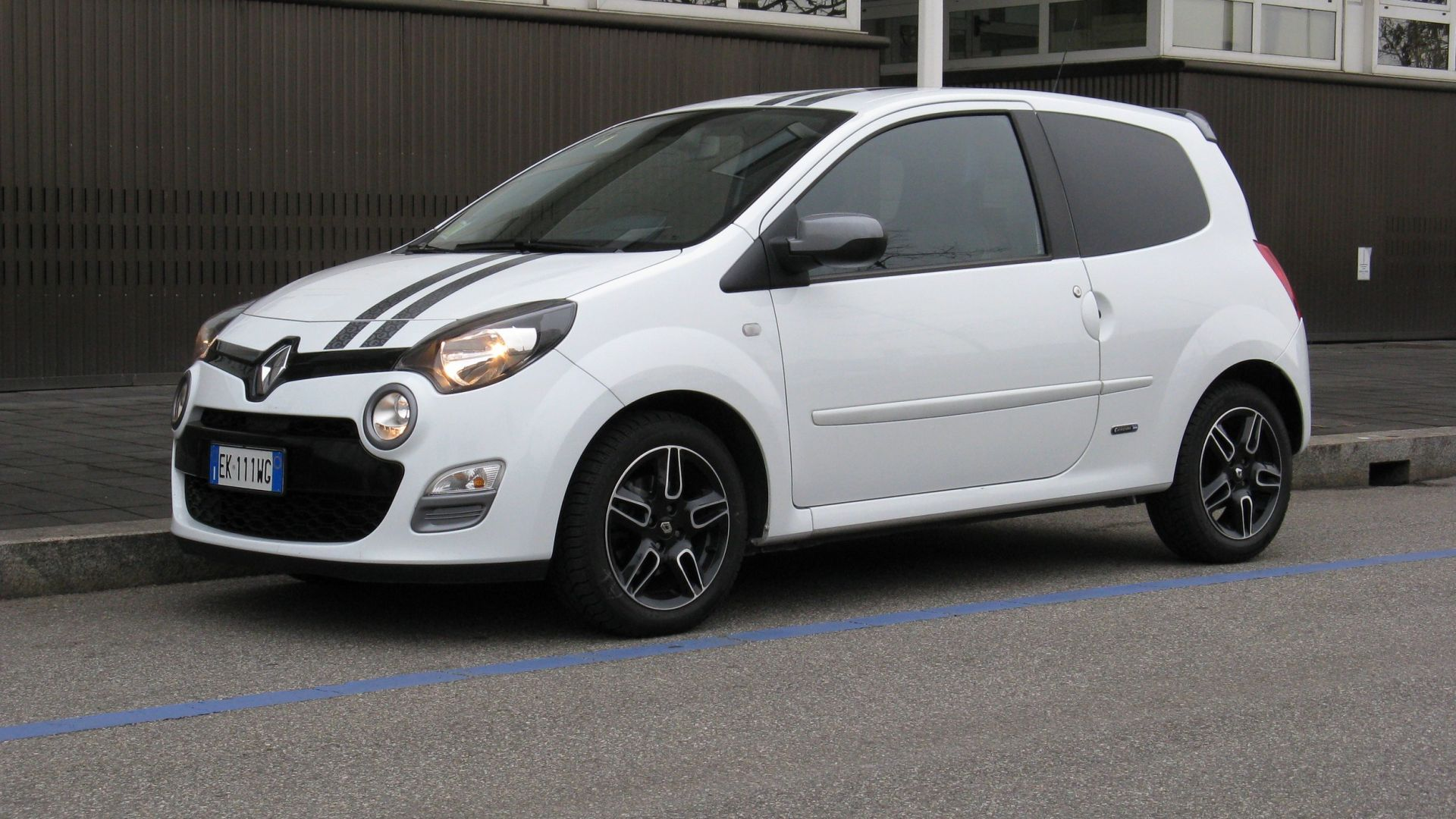 test drive renault twingo 1 2 tce gt gordini motorbox. Black Bedroom Furniture Sets. Home Design Ideas