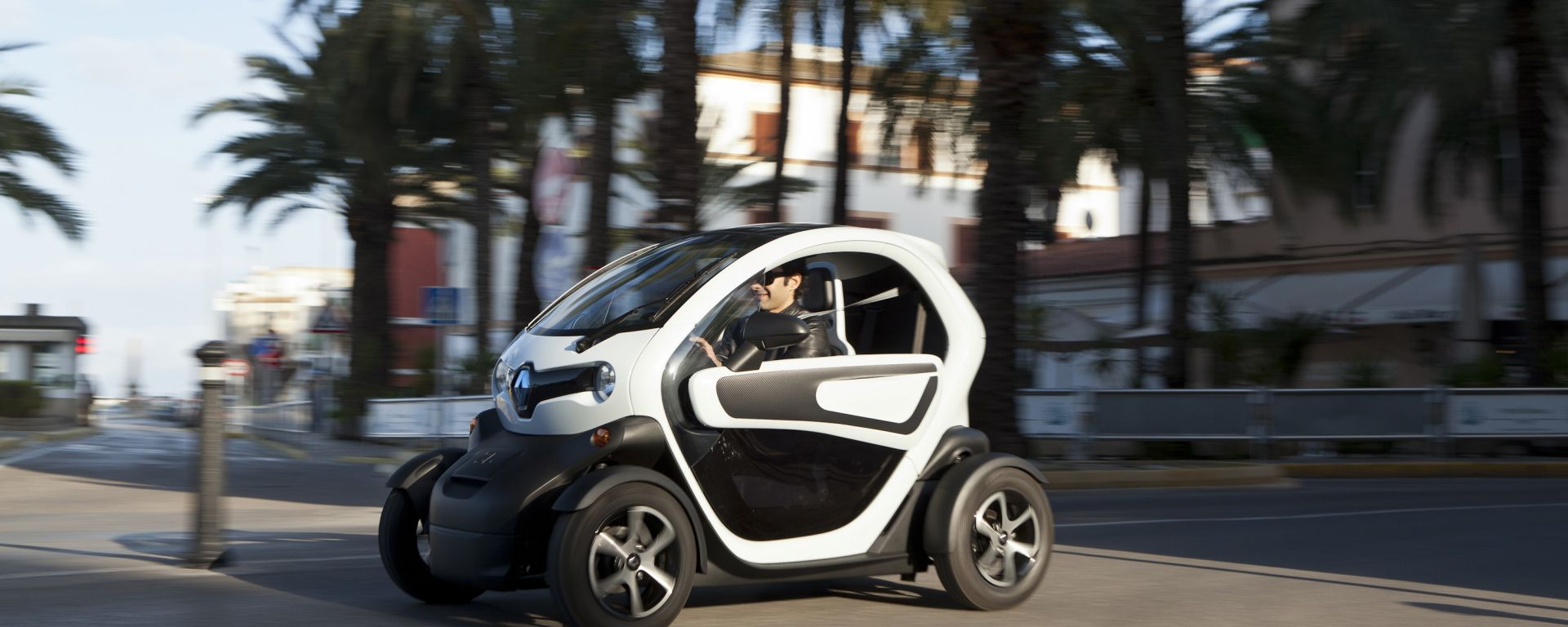 Renault Twizy, ora anche in video