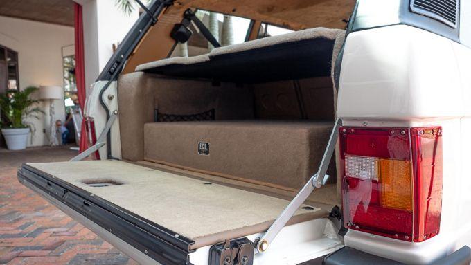 Restomod Range Rover elettrica by E.C.D. Automotive: la batteria nel bagagliaio