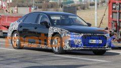 Restyling Audi A8 2021: visuale di 3/4 anteriore